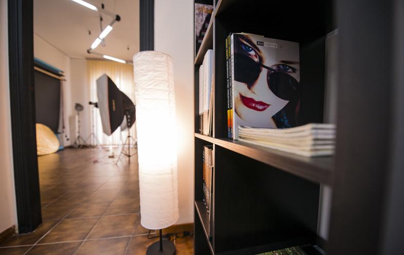 scuola-di-fotografia-messina-fotografo-cardile-docente-sfm-corsodifotografia-saladiposa-flashdastudio-05.jpg